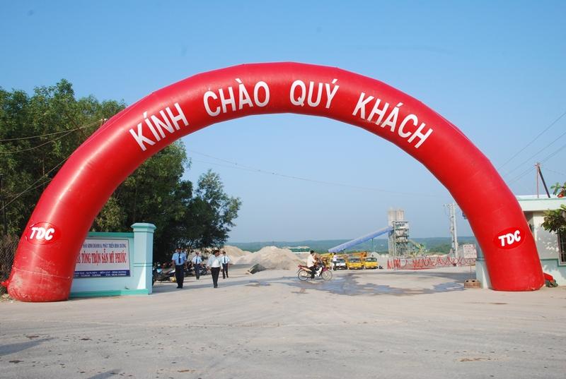 Dịch vụ cung cấp cổng hơi, cổng chào tại tphcm